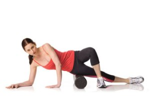 foam-roller-on-hip